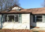 Foreclosed Home en RALPH AVE, Central Islip, NY - 11722