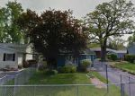 Foreclosed Home en N CLARENDON DR, Round Lake, IL - 60073