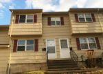 Foreclosed Home en RIDGE RD, Naugatuck, CT - 06770