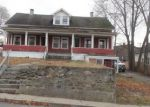 Foreclosed Home en LINCOLN SQ, Jewett City, CT - 06351