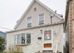 Foreclosed Home en WALLINGTON AVE, Wallington, NJ - 07057