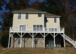 Foreclosed Home en COUNTRY CLUB RD, Mills River, NC - 28759