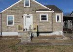 Foreclosed Home en BERNHEIM LN, Louisville, KY - 40210