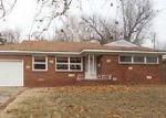 Foreclosed Home en W MANHATTAN DR, Wichita, KS - 67204
