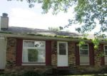 Foreclosed Home en W HAYES ST, Davenport, IA - 52804