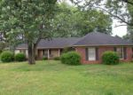 Foreclosed Home en VILLAGEWOOD DR, Jackson, TN - 38305