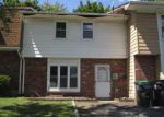 Foreclosed Home en RED BARN LN, Middletown, NY - 10940