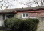Foreclosed Home en GRANADA DR, Pontiac, MI - 48342