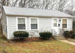 Foreclosed Home en READ AVE, Coventry, RI - 02816