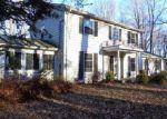 Foreclosed Home en AUNT HACK RD, Danbury, CT - 06811