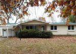 Foreclosed Home en W DUNN ST, Monett, MO - 65708