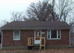 Foreclosed Home en RANGELAND RD, Louisville, KY - 40219