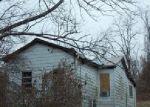 Foreclosed Home en LOVERS LN, Louisville, KY - 40299