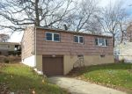 Foreclosed Home en ROBART ST, West Haven, CT - 06516