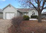 Foreclosed Home en E IDLEWILD DR, Wichita, KS - 67216