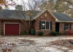 Foreclosed Home en LA COSTA DR, Hope Mills, NC - 28348