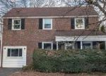 Foreclosed Home en IRVINGTON RD, Drexel Hill, PA - 19026