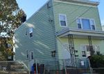 Foreclosed Home en W 19TH ST, Bayonne, NJ - 07002