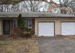 Foreclosed Home en ORANGE ST, Central Islip, NY - 11722