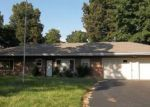 Foreclosed Home en REYNOLDS LN, Rayville, MO - 64084