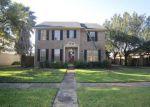 Foreclosed Home en FLOWERMOUND DR, Sugar Land, TX - 77479