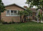 Foreclosed Home en S OLIVE ST, Santa Ana, CA - 92707