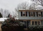 Foreclosed Home in QUAIL HOLLOW DR, Dover, DE - 19904