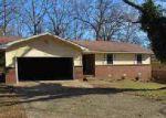 Foreclosed Home en GREEN OAK DR, North Little Rock, AR - 72118