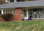 Foreclosed Home en STONEY CREEK RD, Norristown, PA - 19401