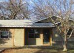 Foreclosed Home en VAN NATTA LN, Fort Worth, TX - 76112