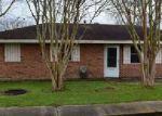Foreclosed Home en CYPRESS ST, Raceland, LA - 70394