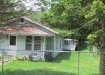Foreclosed Home en RIVERSIDE DR, Rainelle, WV - 25962