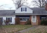 Foreclosed Home en E 255TH ST, Euclid, OH - 44132