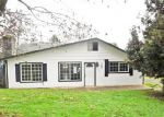 Foreclosed Home en E FIFTH AVE, Sutherlin, OR - 97479