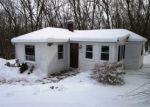 Foreclosed Home en ROSEMERE AVE, Johnston, RI - 02919