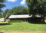 Foreclosed Home en MOCKINGBIRD LN, Gilmer, TX - 75645