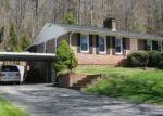 Foreclosed Home en ROLLING HILLS RD, Erwin, TN - 37650
