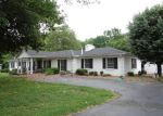 Foreclosed Home en N SEQUOIA DR, Springfield, TN - 37172