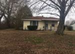 Foreclosed Home en ELMER MILLER RD, Trenton, TN - 38382