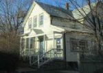 Foreclosed Home en CHARLES ST, Woonsocket, RI - 02895