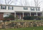 Foreclosed Home en BLUE ROCK DR, Stamford, CT - 06903