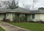 Foreclosed Home en WOODCRAFT ST, Houston, TX - 77025