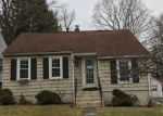 Foreclosed Home en CHARLES ST, Torrington, CT - 06790
