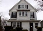Foreclosed Home en CHICOPEE ST, Chicopee, MA - 01013