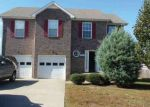 Foreclosed Home en SUMMERFIELD DR, Clarksville, TN - 37042