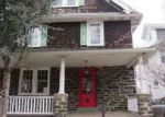 Foreclosed Home en S CEDAR LN, Upper Darby, PA - 19082
