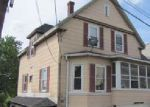 Foreclosed Home en ROCKLAND ST, Fitchburg, MA - 01420