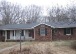 Foreclosed Home en GREEN STREET RD, Centralia, IL - 62801