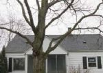 Foreclosed Home en BYRON CENTER AVE SW, Wyoming, MI - 49519