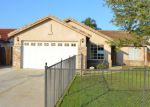 Foreclosed Home en TEMPLETON ST, Bakersfield, CA - 93312